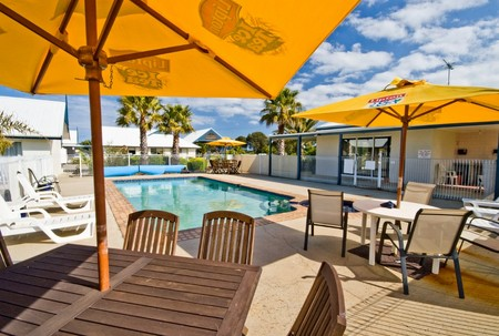 Torquay Tropicana Motel - Goulburn Accommodation