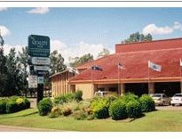 Quality Inn Charbonnier Hallmark - Goulburn Accommodation