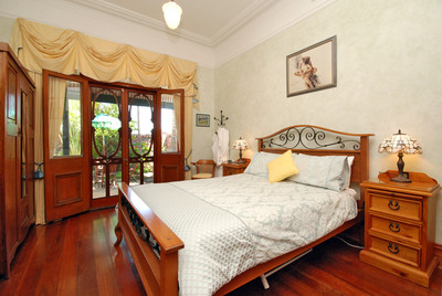 Above Bored Bed and Breakfast - Goulburn Accommodation