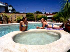 Mackay Motor Inn - Goulburn Accommodation
