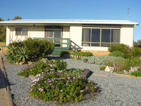 Oaklands Beach House - Goulburn Accommodation