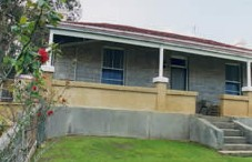 Naracoorte Cottages - Limestone View