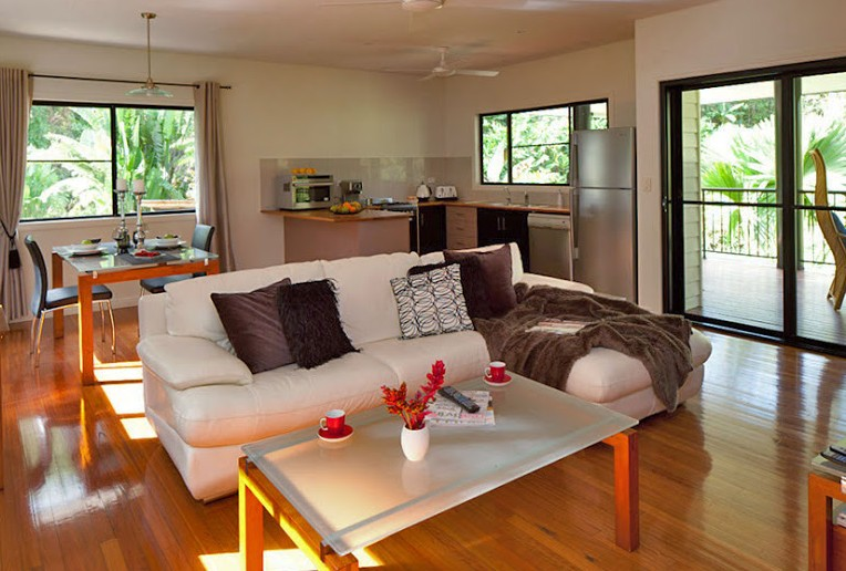 Misty Mountains Tropical Rainforest Romantic Retreat - Goulburn Accommodation
