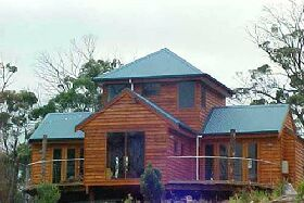Tree House - The - Goulburn Accommodation