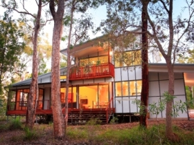 Beach Road Holiday Homes - Goulburn Accommodation