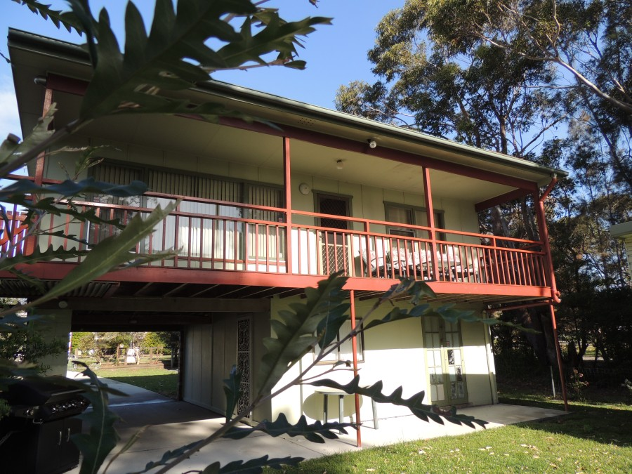A Paradise Bungalow Waterfront - Goulburn Accommodation