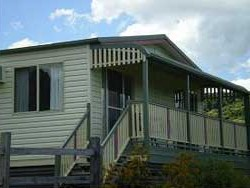 Halls Country Cottages - Goulburn Accommodation