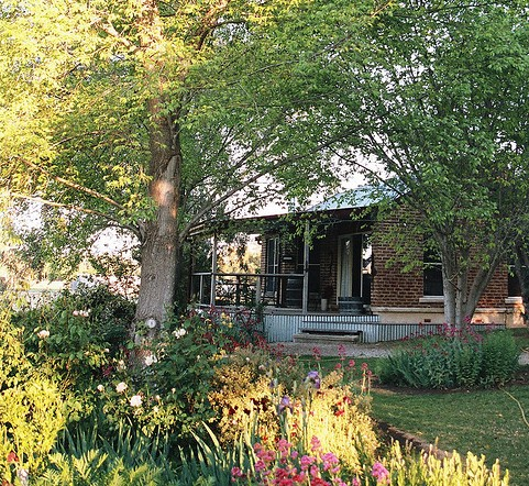 Amazing Country Escapes - Evanslea By The River - Goulburn Accommodation