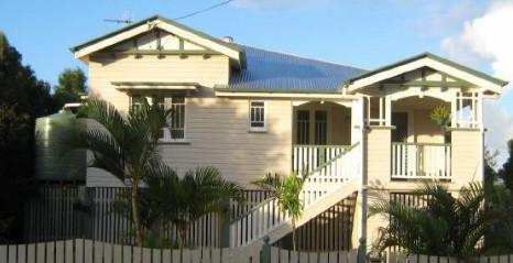 Eco Queenslander Holiday Home and BB - Goulburn Accommodation