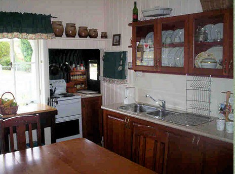Dillons Cottage - Goulburn Accommodation