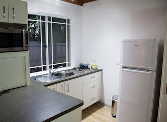 Homewood Cottages - Goulburn Accommodation