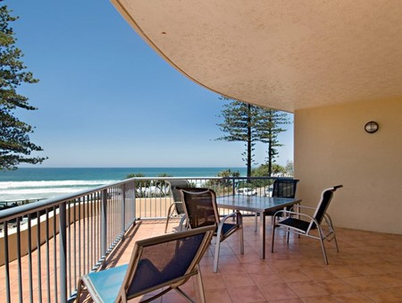 Coolum Baywatch Resort - Goulburn Accommodation