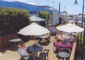 Top Of The Town Hotel - Goulburn Accommodation
