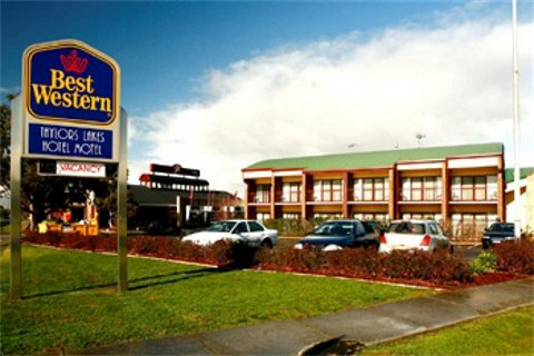 Taylors Lakes Hotel - Goulburn Accommodation