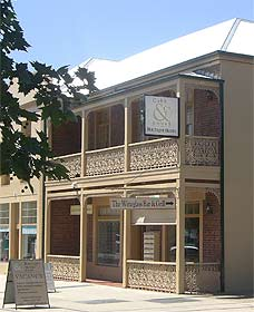 Cobb  Co Court Boutique Hotel - Goulburn Accommodation