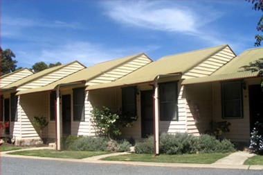 The Village Cabins - Goulburn Accommodation