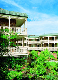 Medina Serviced Apartments Canberra - Goulburn Accommodation