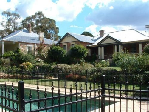 Chapel House - Goulburn Accommodation