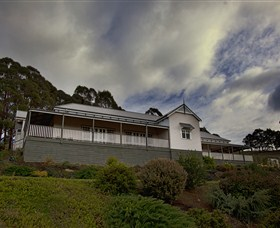 House on the Hill Bed and Breakfast - Goulburn Accommodation