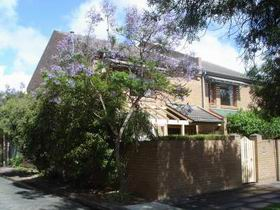 Adelaide Serviced Apartments - William Townhouse - Goulburn Accommodation