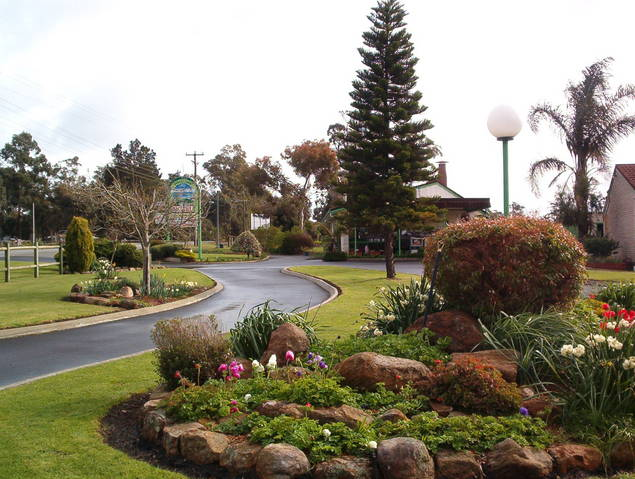 Mount Barker Valley Views Motel and Chalets - Goulburn Accommodation