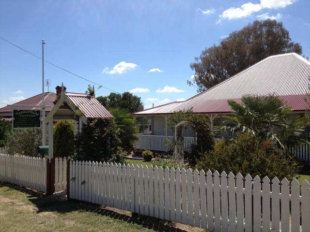 Tenterfield Luxury Historic c1895 Cottage - Goulburn Accommodation