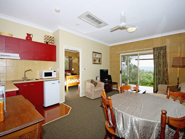 Wallaby Ridge Retreat - Goulburn Accommodation