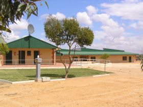 Tressies Museum and Caravan Park - Goulburn Accommodation