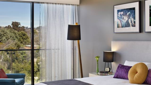East Hotel  Apartments - Goulburn Accommodation