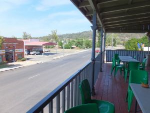 Federal Hotel - Goulburn Accommodation