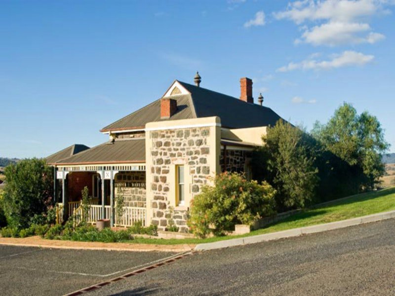 Hermitage Hill Resort - Goulburn Accommodation