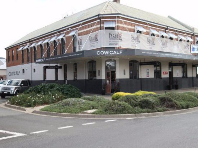Cow and Calf Hotel - Goulburn Accommodation