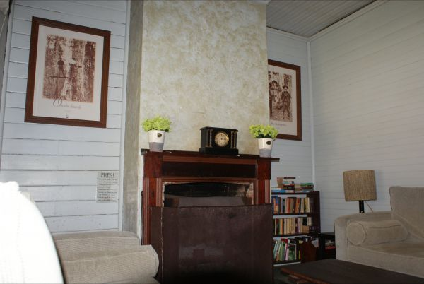 Moonan  Cottage - Goulburn Accommodation