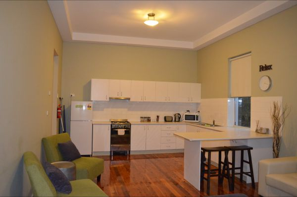 Revive Central Apartments - Goulburn Accommodation