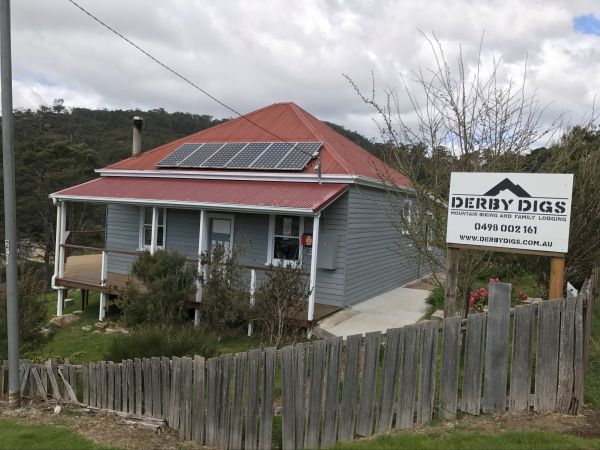 Derby Digs Cottage - Goulburn Accommodation
