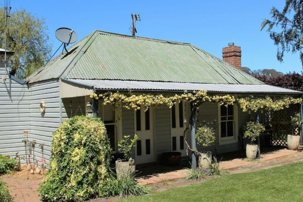 Drayshed Cottage - Goulburn Accommodation