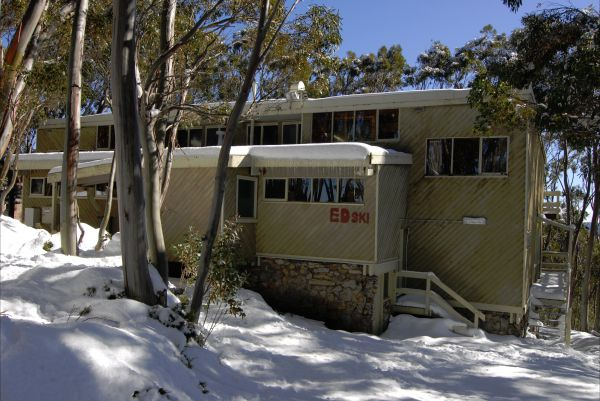Edski Lodge - Goulburn Accommodation