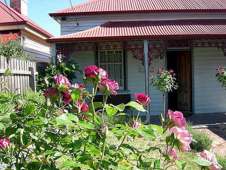 Airleigh - Rose Cottage - Goulburn Accommodation