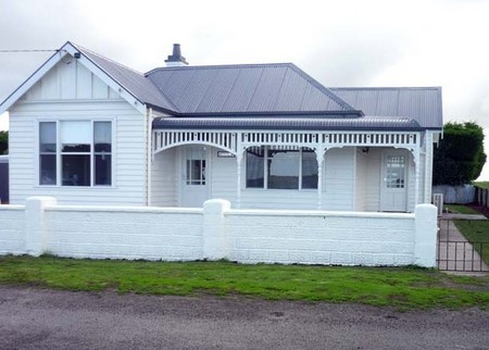 Calgary House  Cottage Accommodation - Goulburn Accommodation