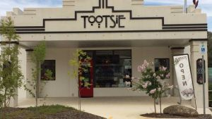 Tootsie Fine Art and Design - Goulburn Accommodation