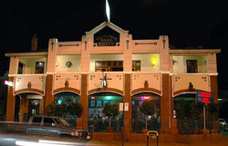 Victoria Park Hotel - Goulburn Accommodation