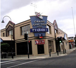 Grand Junction Hotel - Goulburn Accommodation