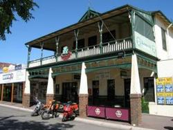 Shamrock Hotel Alexandra - Goulburn Accommodation