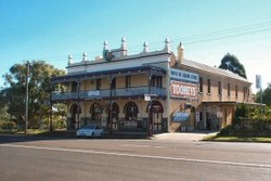 Caledonia Hotel - Goulburn Accommodation