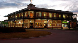 The Grand Terminus Hotel - Goulburn Accommodation