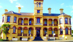 The Queenscliff Historic Royal Hotel - Goulburn Accommodation