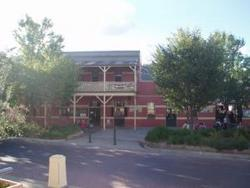 Alpine Hotel - Goulburn Accommodation