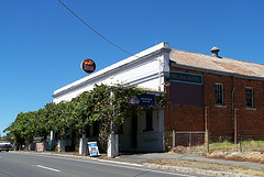 Red Hill Hotel - Goulburn Accommodation