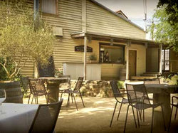 The Cosmopolitan Hotel - Goulburn Accommodation