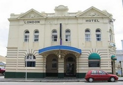 The London Hotel - Goulburn Accommodation
